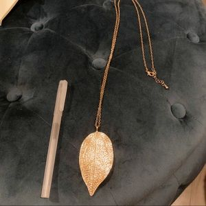 Leaf Accent Necklace
